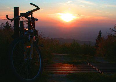 Während einer Mountainbiketour ist die Doagl Alm eine Rast wert.
